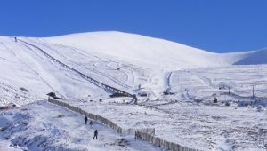 cairngorm mountain skiing